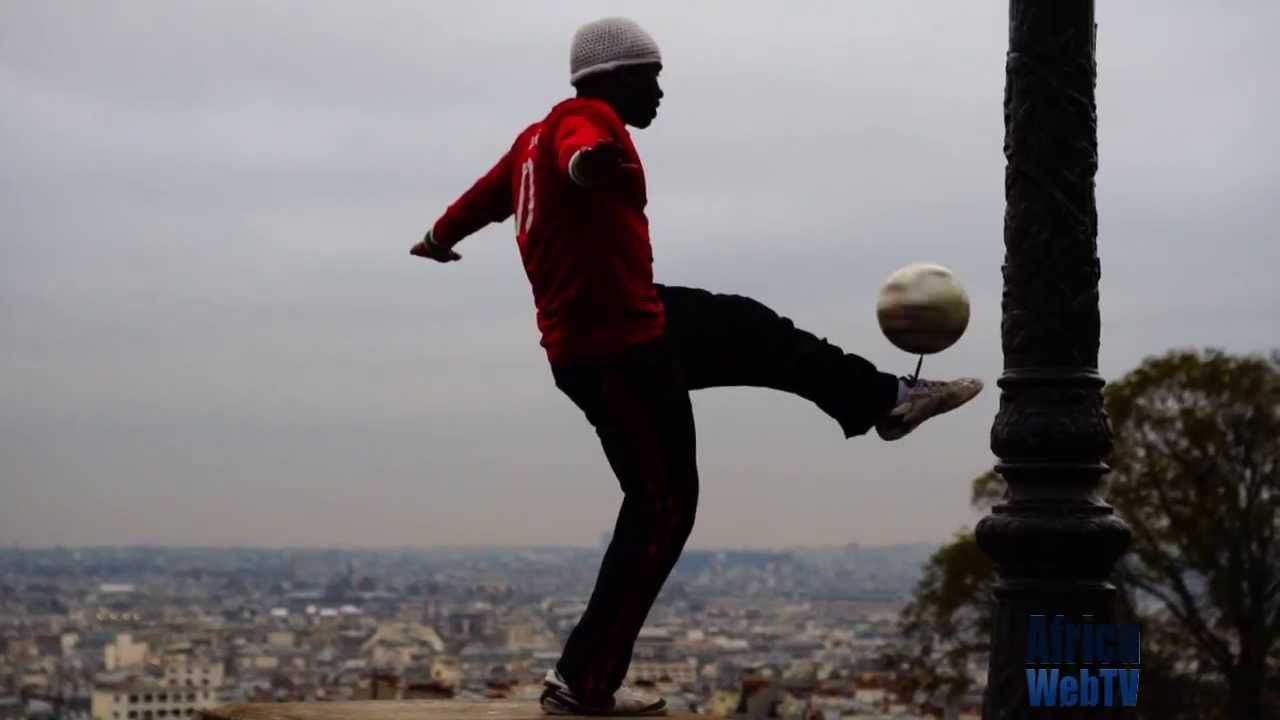 African football ballet in Paris (freestyle artist)