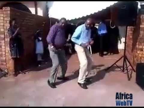 Dancing men Kenya – Best dance ever!